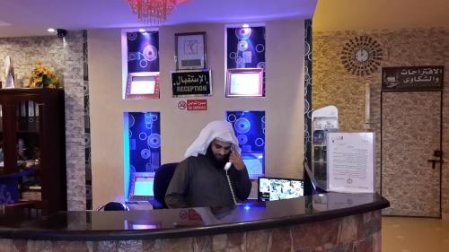 O saguão ou recepção de Bahget Eljouf Furnished Apartment