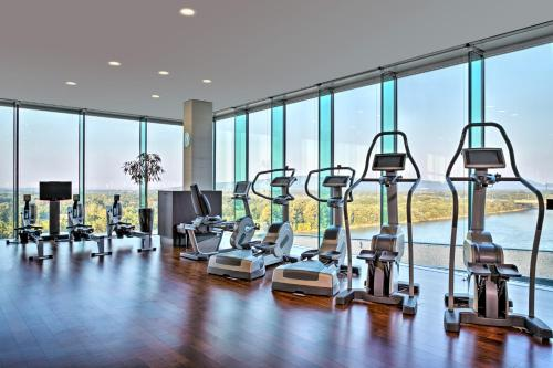 The fitness centre and/or fitness facilities at Grand Hotel River Park, a Luxury Collection Hotel, Bratislava