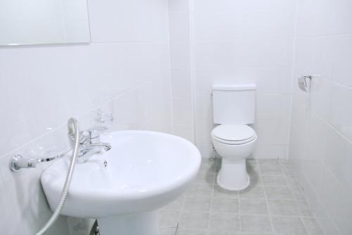 A bathroom at Seoul Dalbit Dongdaemun Guesthouse