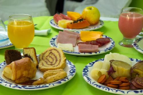 Breakfast options available to guests at Pousada Verdes Mares