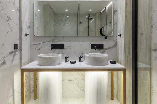 A bathroom at Coco-Mat Hotel Athens