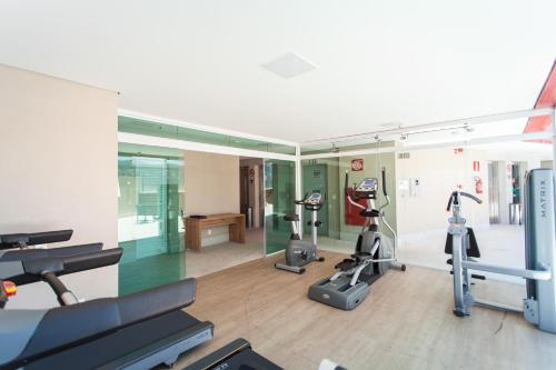 The fitness center and/or fitness facilities at eSuites Virginia Luxemburgo BH