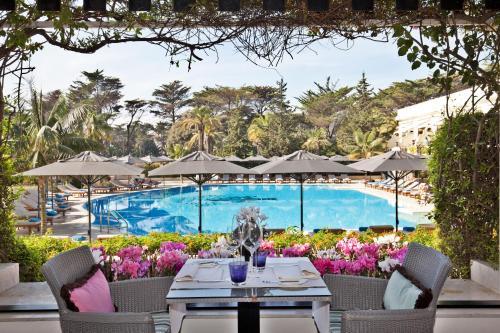 The swimming pool at or near Palácio Estoril Hotel, Golf & Wellness