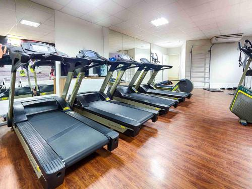 The fitness center and/or fitness facilities at Quality Hotel Pampulha & Convention Center