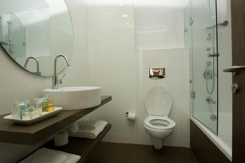 A bathroom at Nof Ginosar Kibbutz Hotel
