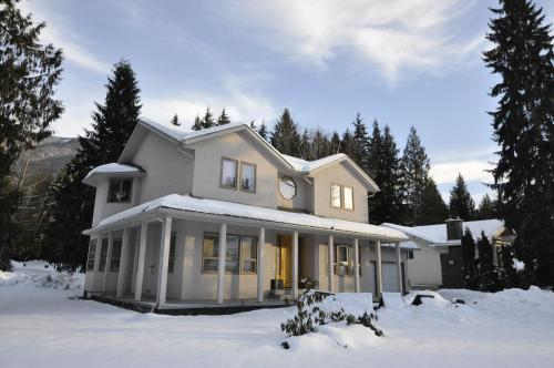 Cornerstone Bed and Breakfast during the winter