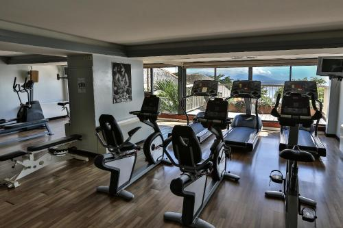 The fitness center and/or fitness facilities at Le Tahiti by Pearl Resorts