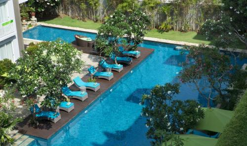 A view of the pool at Ibis Styles Bali Benoa or nearby