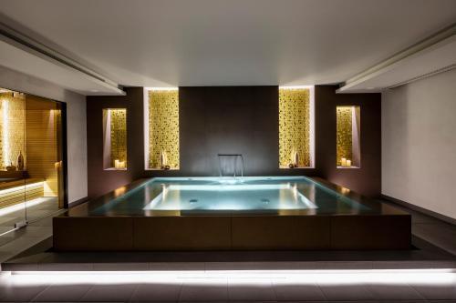 Piscina di BoHo Prague Hotel - Small Luxury Hotels o nelle vicinanze
