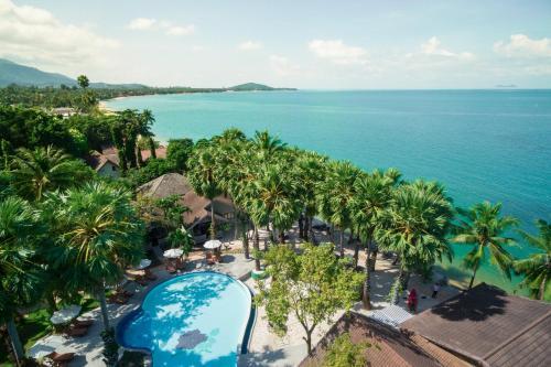 Ein Blick auf den Pool von der Unterkunft Paradise Beach Resort, Koh Samui - SHA Plus oder aus der Nähe