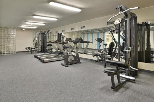 The fitness center and/or fitness facilities at Hotel Šariš