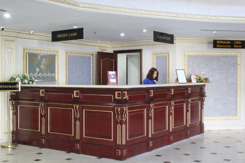 The lobby or reception area at Grand Aiser Hotel