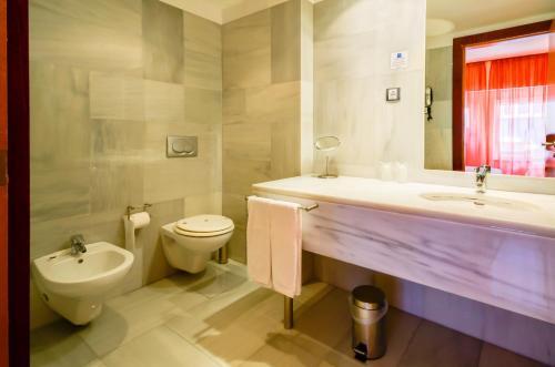 Salle de bains dans l'établissement Hotel Principe Real