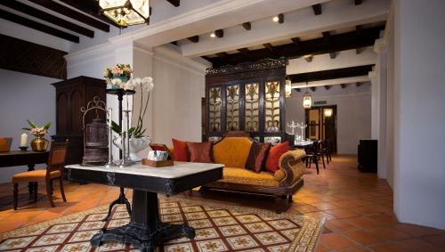 The lobby or reception area at Jawi Peranakan Mansion