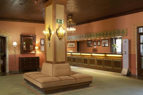 The lobby or reception area at Parador de Cervera de Pisuerga