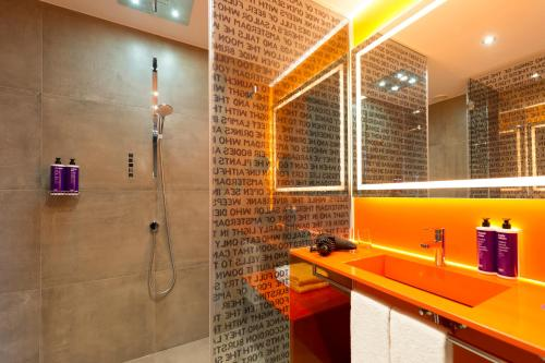 A bathroom at Jaz in the City Amsterdam