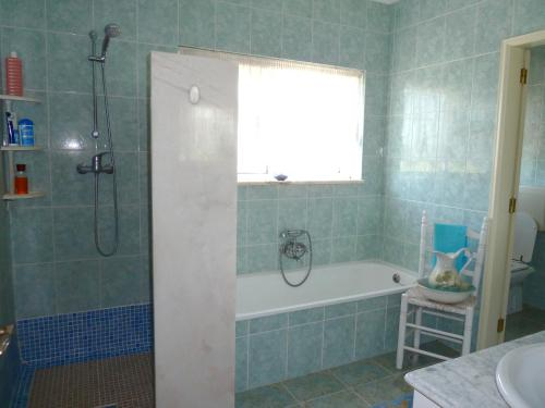 A bathroom at Highview Villa