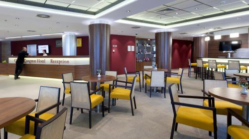 A restaurant or other place to eat at Clarion Congress Hotel Olomouc