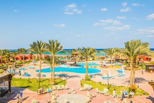 Uitzicht op het zwembad bij Hotelux Oriental Coast Marsa Alam of in de buurt