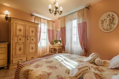Ein Bett oder Betten in einem Zimmer der Unterkunft Hotel Monte Cristo