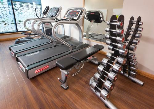 The fitness centre and/or fitness facilities at Residence Inn by Marriott Edinburgh