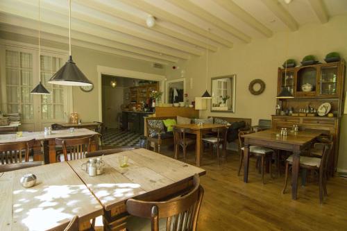 Restaurant ou autre lieu de restauration dans l'établissement Hotel-Pension Zoom-Oord