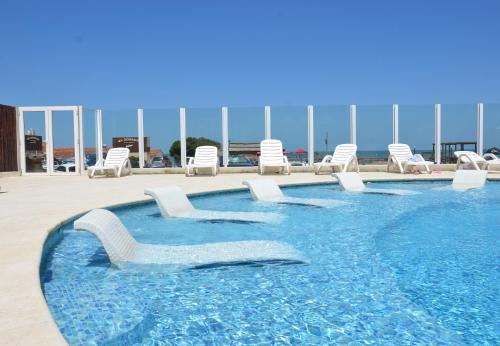 The swimming pool at or near Hotel Reviens