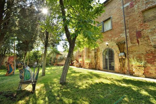 A garden outside Relais Residenza D'Arte