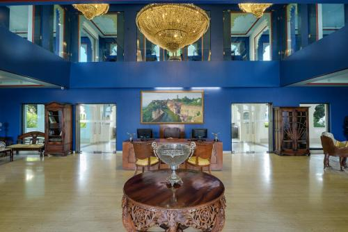 The lobby or reception area at juSTa Lake Nahargarh Palace