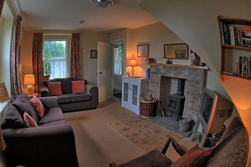 A seating area at Gatelodge Cottage