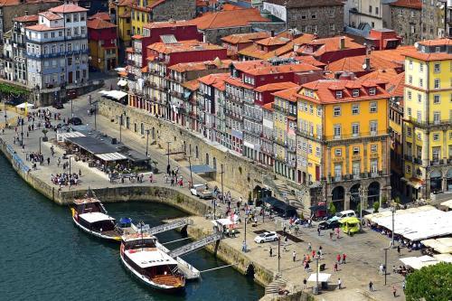Een luchtfoto van Pestana Vintage Porto Hotel & World Heritage Site