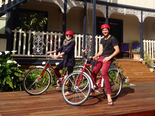 Biking at or in the surroundings of Montacute Boutique Bunkhouse