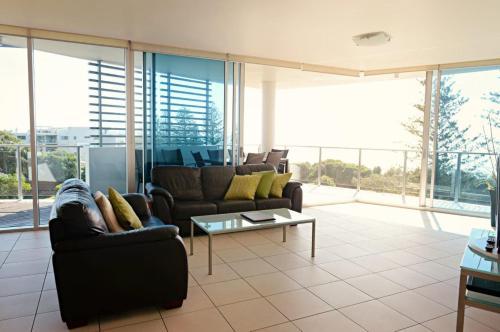 A seating area at Manta Bargara