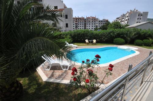 Θέα της πισίνας από το Apartments Villa Lida ή από εκεί κοντά
