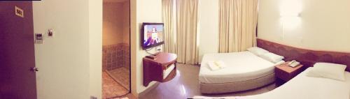 A bathroom at Golden Star Hotel (SG Clean)