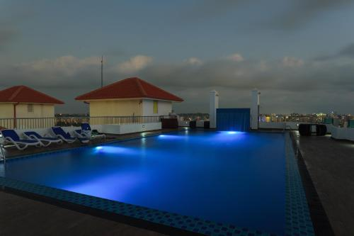 The swimming pool at or near Supun Arcade Residency