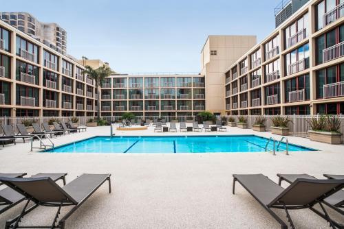 The swimming pool at or near Hilton San Francisco Union Square