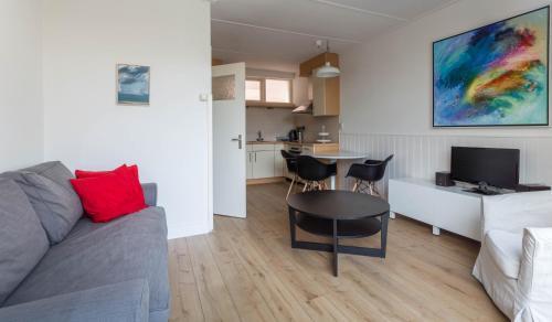 Een zitgedeelte bij Appartementen Domburg