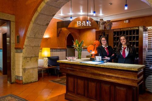 The lobby or reception area at Hotel Internacional Porto