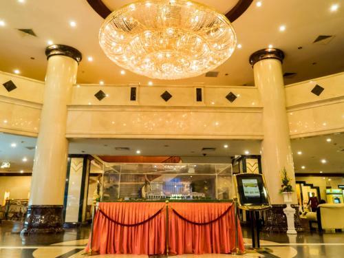 The lobby or reception area at Phnom Penh Hotel