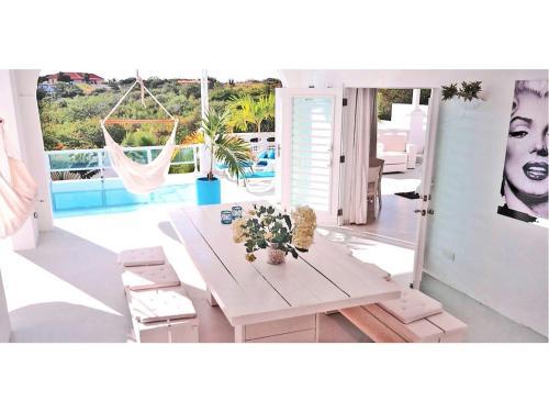 The swimming pool at or close to Champartments Resort - Villa & Appartementen Dom Perignon