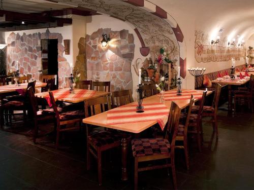Een restaurant of ander eetgelegenheid bij Beim Weinbauer