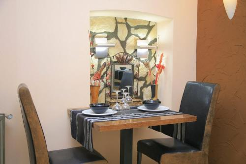 A restaurant or other place to eat at Zava Boutique Hotel Central