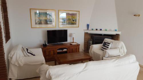 En tv och/eller ett underhållningssystem på El Capistrano Sur