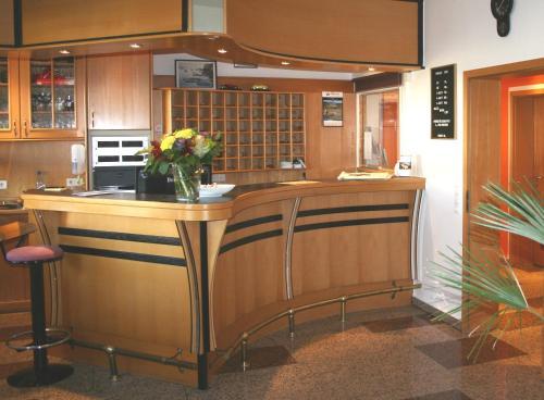 Lobby/Rezeption in der Unterkunft HOTEL PARQÉO im A66