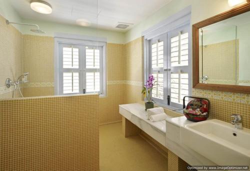 A bathroom at 23 Love Lane Hotel