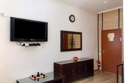 Телевизор и/или развлекательный центр в Гостиный Двор на Троицкой