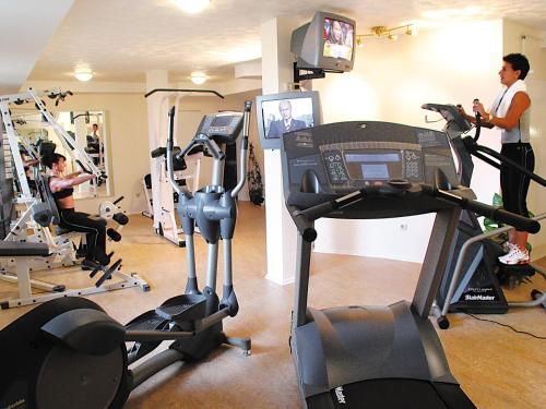 The fitness center and/or fitness facilities at Hotel Schützenhof