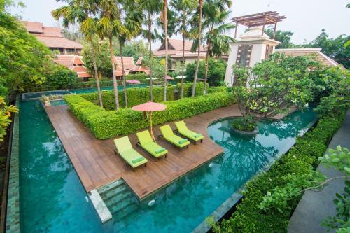 A view of the pool at Siripanna Villa Resort & Spa Chiang Mai or nearby