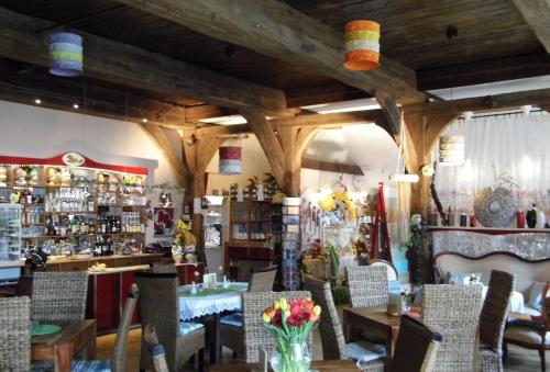 A restaurant or other place to eat at Boutique-Hotel Taubenhof